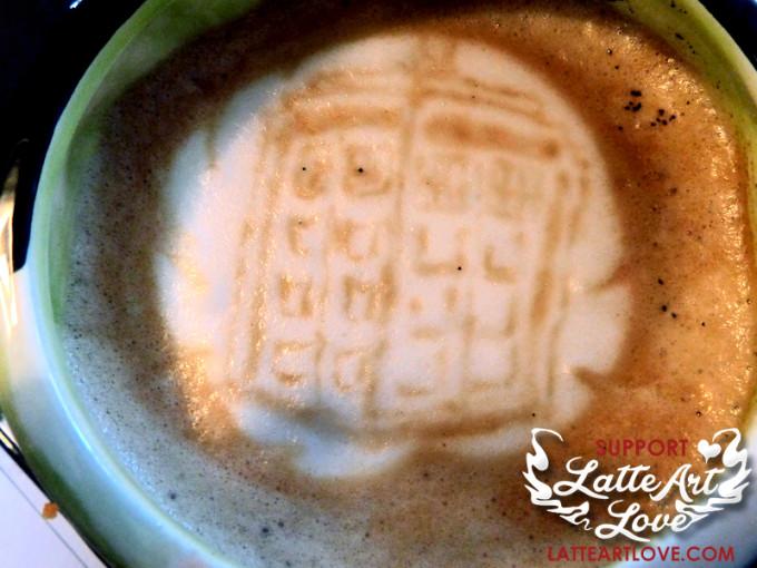 Latte Art - Doctor Who - TARDIS
